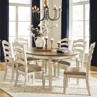 Lynnea Antique White Oval Extendable 7 Piece Dining Set