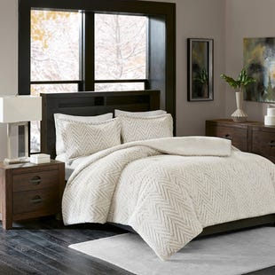 Willow Faux Fur Ivory 3 Piece Queen Comforter Set