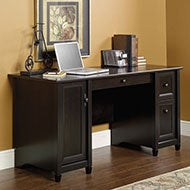 Traditional Desk